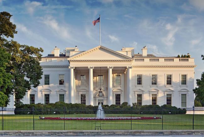 Emri:  White-House.jpg  Shikime: 153  Madhësia:  54.4 KB