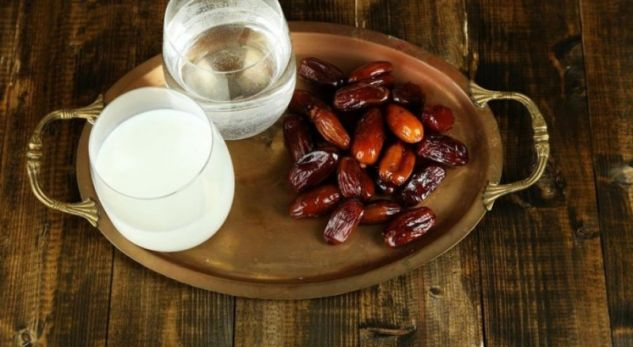Emri:  auto-hurme-ramazan-iftar1526330868_1526630121-3297483.jpg  Shikime: 238  Madhësia:  40.0 KB