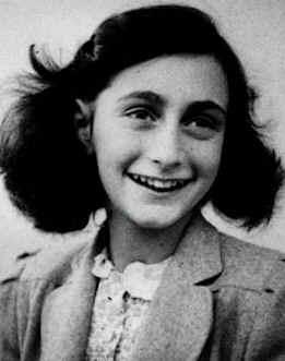 Emri:  Anne_Frank.jpg  Shikime: 1220  Madhësia:  9.6 KB