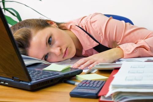Emri:  woman-overworked-office.jpg  Shikime: 111  Madhësia:  25.8 KB