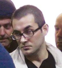 Emri:  Vrasesi-me-pagese-Julian-Sinanaj-gjate-nje-seance-ne-Gjykaten-e-Krimeve-te-Renda-e-cila-eshte-sh.jpg  Shikime: 1237  Madhësia:  18.0 KB