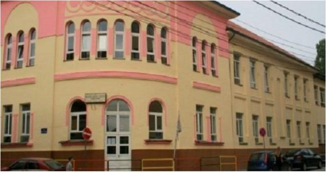 Emri:  shkolla-elena-gjika-kosove.jpg  Shikime: 667  Madhësia:  31.7 KB