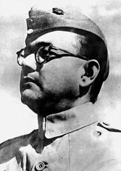 Emri:  Subhas-Chandra-Bose-Indian-National-Army-1.jpg  Shikime: 108  Madhësia:  40.5 KB