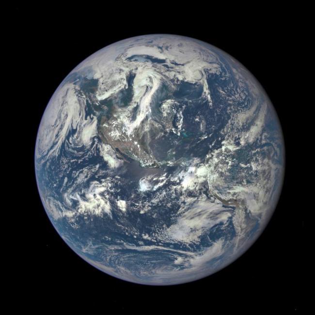 Emri:  Earth.jpg  Shikime: 380  Madhësia:  48.5 KB