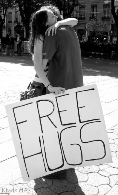 Emri:  free-hugs.jpg  Shikime: 71  Madhësia:  39.3 KB