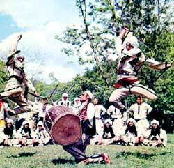 Vallet tona popullore tradicionale. Attachment