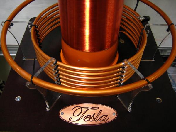Emri:  Tesla .jpg  Shikime: 402  Madhësia:  37.9 KB