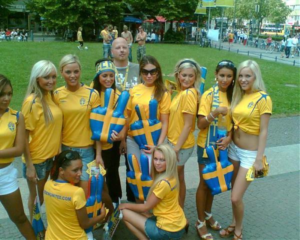 Emri:  swedishfootiefans.jpg  Shikime: 343  Madhësia:  68.1 KB