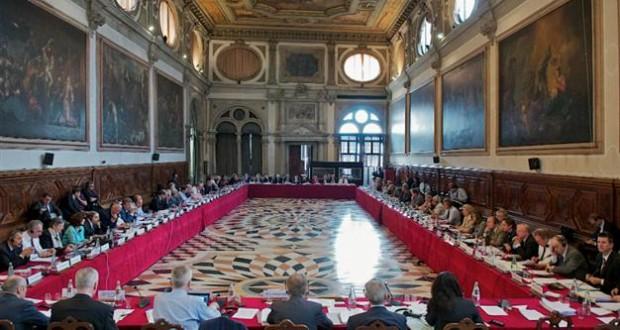 Emri:  Komisioni-i-Venecias-ok-620x330.jpg  Shikime: 338  Madhësia:  71.2 KB